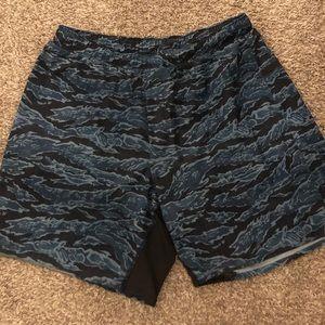 Men's Lululemon 7inch linerless shorts